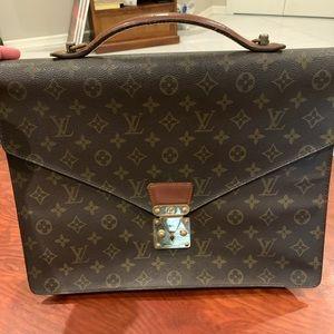 Louis Vuitton case/laptop bag❤️